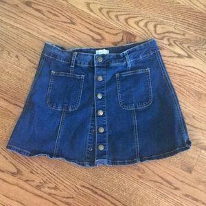 Adorable denim skirt